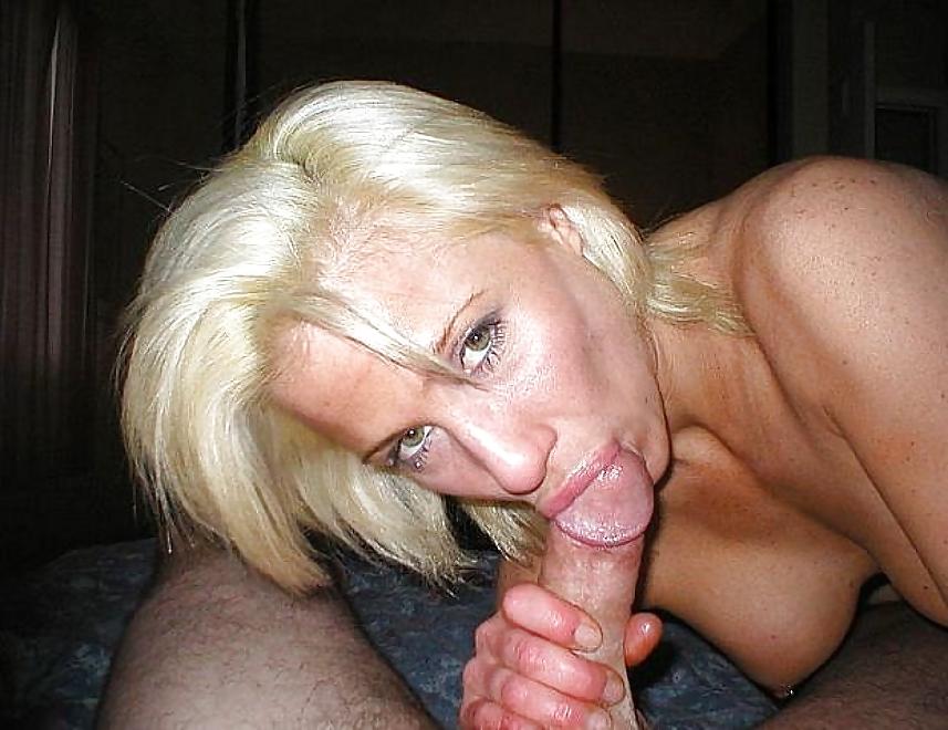 Blonde Frau großer Schwanz Mini me porno