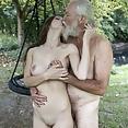 Rebecca mag den Ältere Pimmel Blonde bombiener mag den ältere Schwanz - Bild
